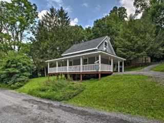 Cottage w/Hot Tub & Fire Pit Near Mahantango Creek