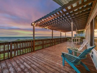 Dog-friendly oceanfront home w/shared pool, jetted tub - lovely views from deck!