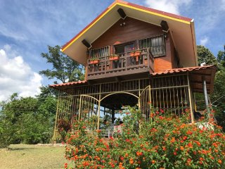 Cabaña rústica en Guápiles 'La Casita'
