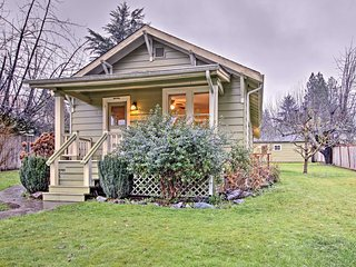 'Central Street Cottage'- Walk to Downtown Olympia
