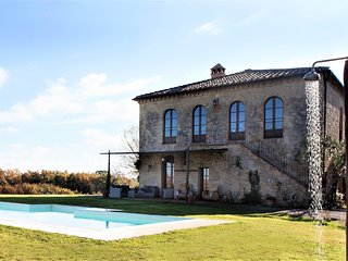 4 bedroom Villa in Bibbiano, Tuscany, Italy : ref 5504538