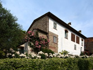 Borgonuovo Holiday Home Sleeps 8 with Pool Air Con and WiFi - 5504506