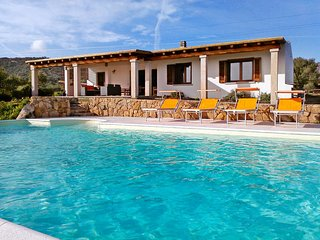 3 bedroom Villa in Marina di portisco, Sardinia, Italy : ref 5503073