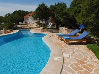 Comfortable and spacious house Bobovisca na Moru, Brac (K-14405)