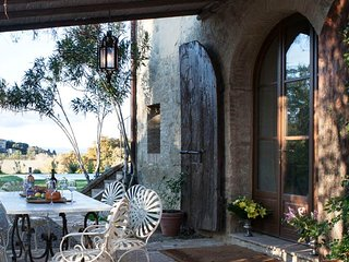 4 bedroom Villa in Buonconvento, Tuscany, Italy : ref 5502842