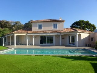 4 bedroom Villa in Bormes-les-Mimosas, Provence-Alpes-Côte d'Azur, France : ref
