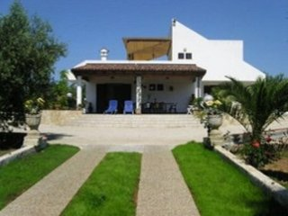 5 bedroom Villa in Gallipoli, Apulia, Italy : ref 5489582