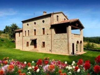 5 bedroom Villa in Castiglione del Lago, Umbria, Italy : ref 5489530