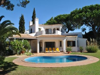 3 bedroom Villa in Vale do Garrao, Faro, Portugal : ref 5489465