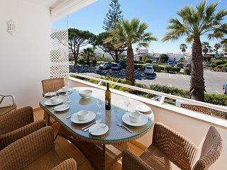 3 bedroom Villa in Vale do Lobo, Faro, Portugal : ref 5480388