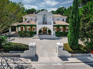 Quinta do Lago Villa Sleeps 8 with Pool Air Con and WiFi - 5480383