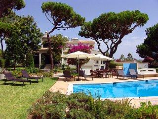 4 bedroom Villa in Vilamoura, Faro, Portugal : ref 5480376