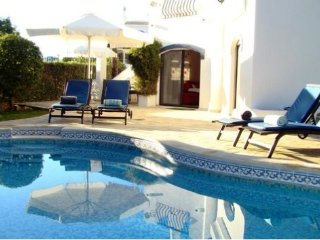 3 bedroom Villa in Vale do Garrao, Faro, Portugal : ref 5480367