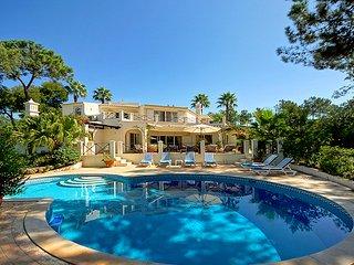 5 bedroom Villa in Quinta do Lago, Faro, Portugal : ref 5480360
