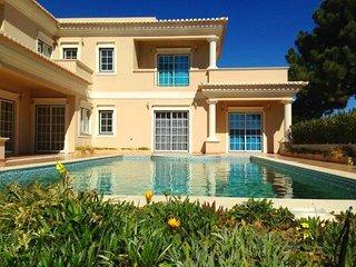 4 bedroom Villa in Vale do Garrao, Faro, Portugal : ref 5480341