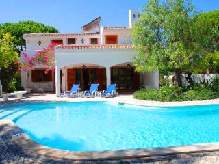 3 bedroom Villa in Ferrarias, Faro, Portugal : ref 5480325