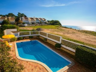 3 bedroom Villa in Vale do Lobo, Faro, Portugal : ref 5480308