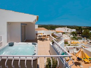 2 bedroom Apartment in Quinta do Lago, Faro, Portugal : ref 5480288