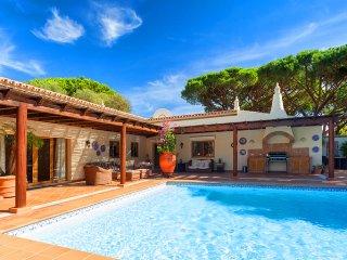 5 bedroom Villa in Vale do Lobo, Faro, Portugal : ref 5480275