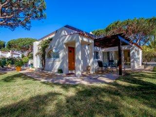 Vale do Lobo Villa Sleeps 8 with Pool Air Con and WiFi - 5480268