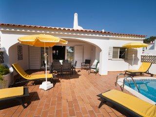 3 bedroom Villa in Vale do Lobo, Faro, Portugal : ref 5480234