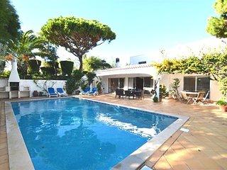4 bedroom Villa in Vale do Garrao, Faro, Portugal : ref 5480227