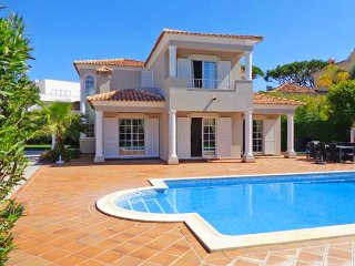 4 bedroom Villa in Vale do Garrao, Faro, Portugal - 5480225