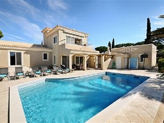 4 bedroom Villa in Vale do Garrao, Faro, Portugal : ref 5480215
