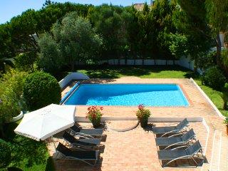 5 bedroom Villa in Vale do Garrao, Faro, Portugal : ref 5607997