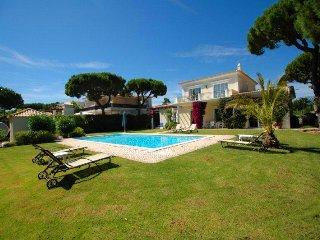 3 bedroom Villa in Vale do Garrao, Faro, Portugal : ref 5480140