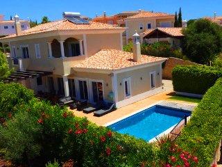 4 bedroom Villa in Almancil, Faro, Portugal : ref 5480091