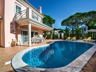 5 bedroom Villa in Vale do Lobo, Faro, Portugal : ref 5480082
