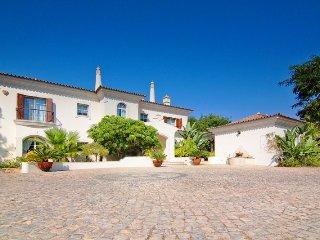 Quinta do Lago Villa Sleeps 10 with Pool Air Con and WiFi - 5480065