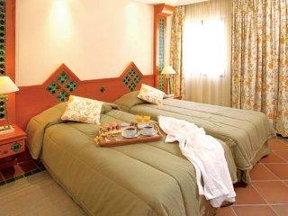 3 bedroom Villa in Aldeia das Acoteias, Faro, Portugal : ref 5480048