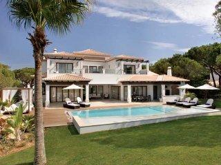 4 bedroom Villa in Aldeia das Acoteias, Faro, Portugal : ref 5480042
