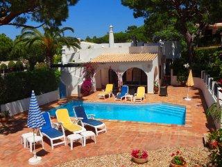 3 bedroom Villa in Vale do Garrao, Faro, Portugal : ref 5480029