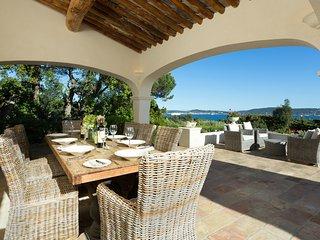 5 bedroom Villa in Beauvallon, Provence-Alpes-Cote d'Azur, France : ref 5472541