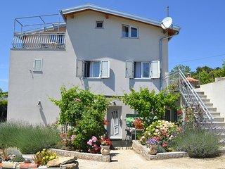 Lopar Apartment Sleeps 5 with Air Con - 5472308