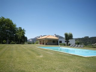 6 bedroom Villa in Serdedelo, Viana do Castelo, Portugal : ref 5455238