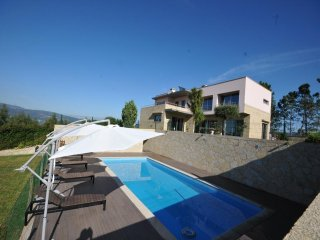 5 bedroom Villa in Gandra, Viana do Castelo, Portugal : ref 5455233