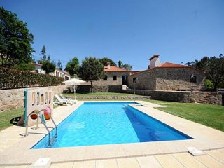 4 bedroom Villa in Barcelos, Braga, Portugal : ref 5455223