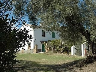 Aroche Villa Sleeps 8 with Pool - 5000364