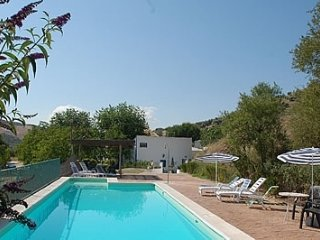 Huetor-Tajar Villa Sleeps 12 with Pool and WiFi