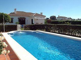 4 bedroom Villa in Sanlúcar de Barrameda, Andalusia, Spain : ref 5455016