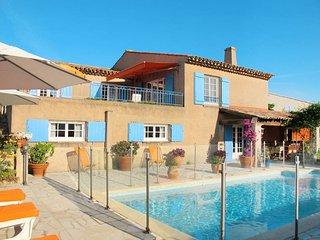 3 bedroom Villa in Sainte-Maxime, Provence-Alpes-Côte d'Azur, France : ref 54360