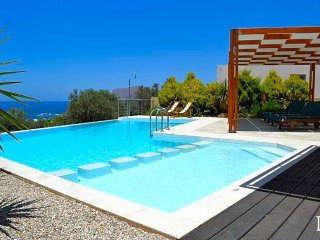 3 bedroom Villa in Ano Sfinari, Crete, Greece : ref 5433137