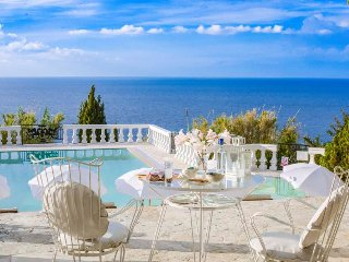 4 bedroom Villa in Agios Ioannis Karousadon, Ionian Islands, Greece : ref 534370
