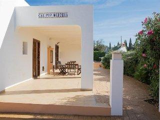 Colonia de Sant Jordi Villa Sleeps 6 with Pool Air Con and WiFi - 5334810