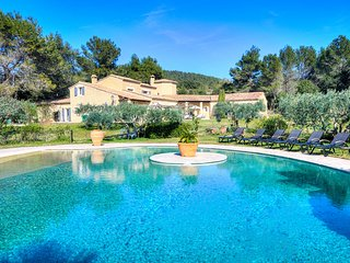 5 bedroom Villa in Les Baux de Provence, Provence-Alpes-Côte d'Azur, France : re