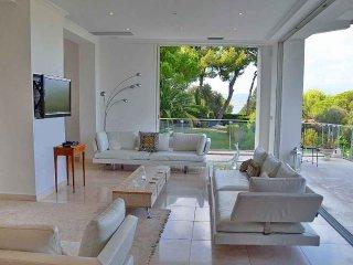 5 bedroom Villa in Antibes, Provence-Alpes-Cote d'Azur, France : ref 5247119